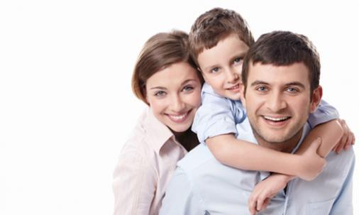 Famille ayant adopté un enfant